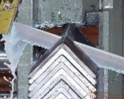 Нарезка металла ленточной пилой